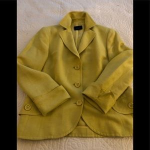 Akris Blazer with notched collar. Linen and silk